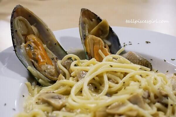 Carbonara Seafood (Price: RM 17.90)