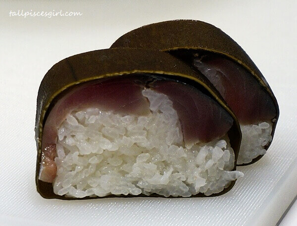 Saba-sugatazushi (Whole Mackerel Lightly Matured Sushi)