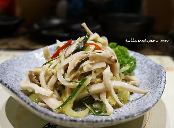 Mushroom Bites (爽口杏鲍菇) Price: RM 15
