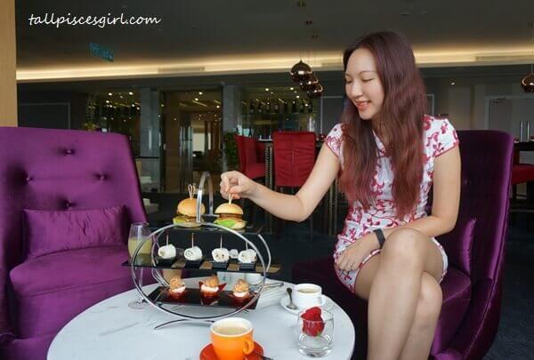 BRB! Gonna enjoy my Tea Break Set first!
