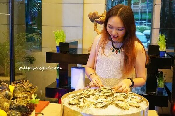 tallpiscesgirl discovering fresh awesome seafood!