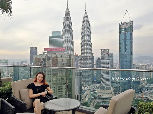 Looking at this amazing view of KLCC and the city centre, my stress dissolved naturally