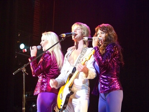 VICKYLILA - Relive Memories with The Music of ABBA by Arrival from Sweden