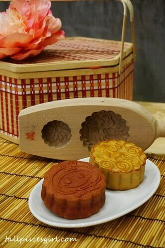 Tasty yet healthy organic mooncakes by BMS Organics