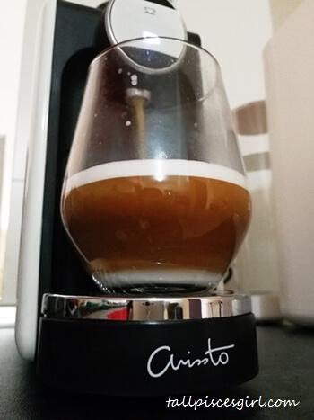 Preparing coffee with ARISSTO Happy Maker