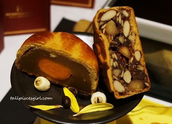 Pork-free Mooncakes @ Renaissance Kuala Lumpur Hotel 1
