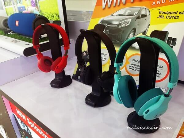 JBL Headsets - Test first before you buy!