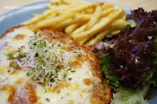 Chicken Parmigiana (Price: RM 20)