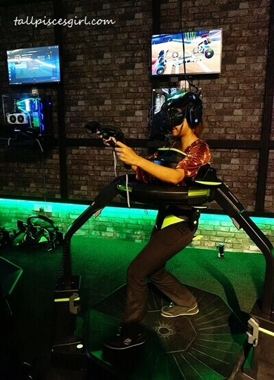 VR experience zone (Virtuix Omni) @ The Pantheon, One Space One City