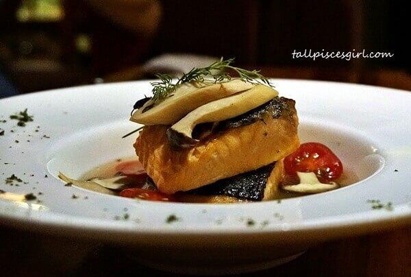 Poached Salmon in White Wine Broth @ Cincin Grill & Wine Bar, Cheras