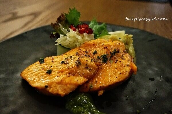 Main Course: Grilled Salmon Steak & Green Anchovy Sauce Served with Thai Basil Mashed Potato & Pomelo Pomegranate Salad