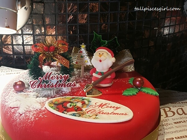 Celebrate a Merry Christmas at TEMPTationS, Renaissance KL Hotel