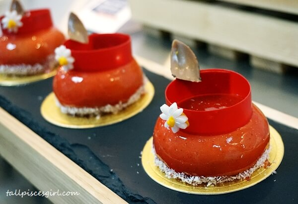 Silver Winner - Individual Cake (Strawberry with Lime Chill Cheese) Hotel Channel