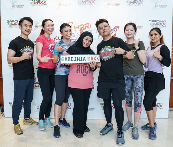 The founders of Garcinia Maxx and bloggers