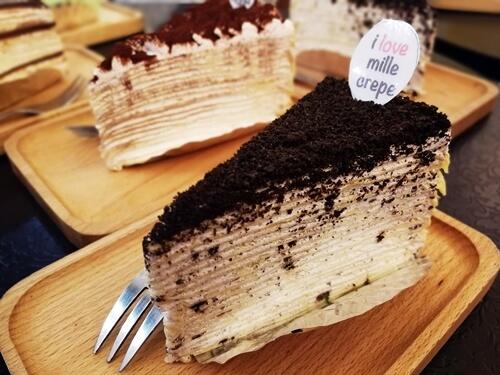 Vanilla Mille Crepe: Oreo Crunch