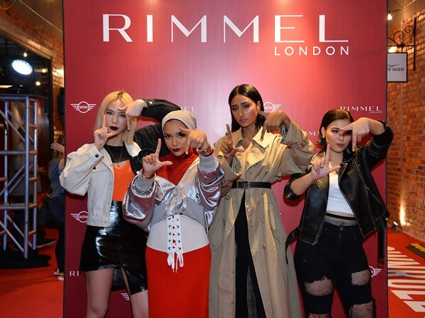 L-R: Ashley Lau, DJ & Lifestyle Influencer, Nina Khalil, Social Media and Beauty Influencer, Rubini Sambanthan, Miss International Malaysia 2014 and model and Chacha Maembong, up and coming actress, posing the 'London Look' pose at The Rimmel London Launch Party