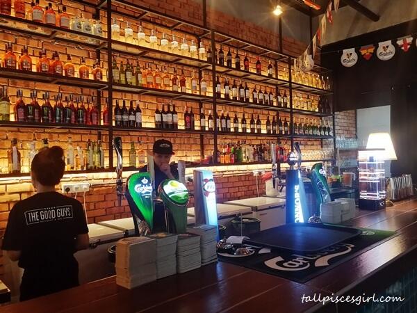 The Good Guys Restaurant & Bar