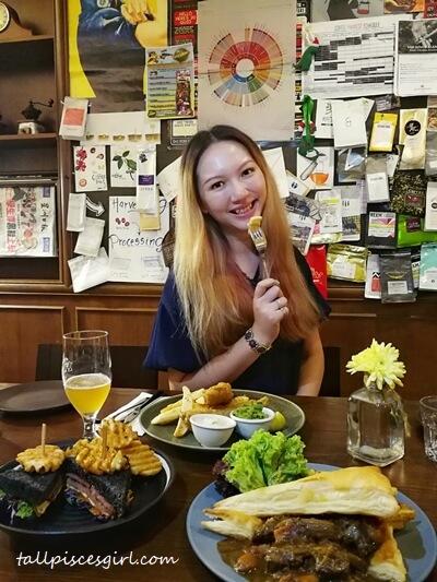 tallpiscesgirl @ Kingstreet Cafe, Seputeh