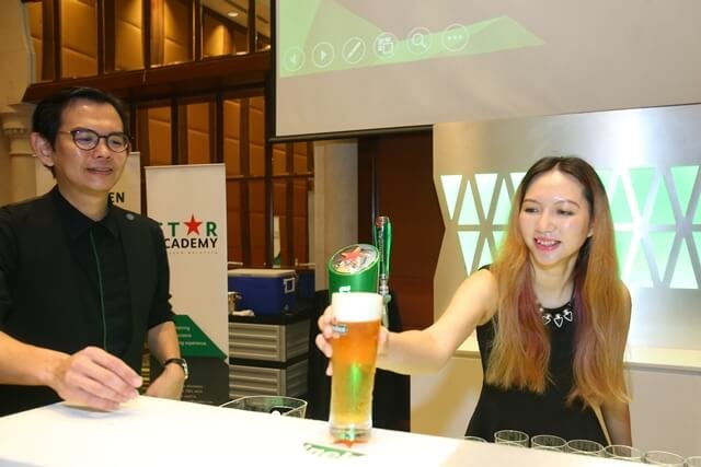 tallpiscsesgirl X Heineken Star Serve