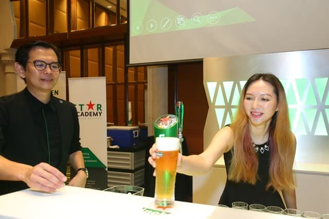 tallpiscsesgirl X Heineken Star Serve