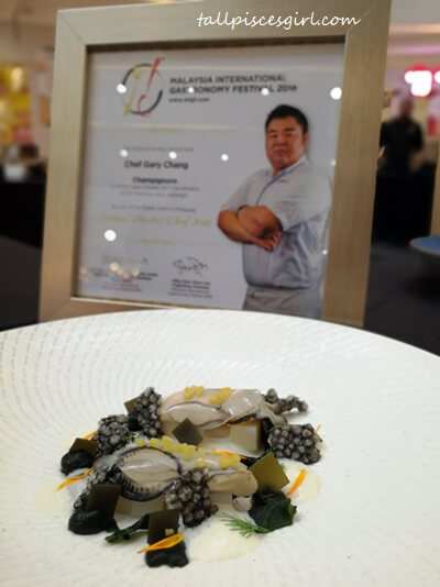 Light Poached Oyster (Seaweed and Seawater Foam) by Chef Gary Chang, Champignons