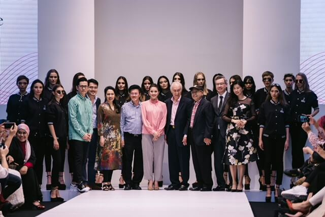 Big Group Photo After Infinence Fashion Show