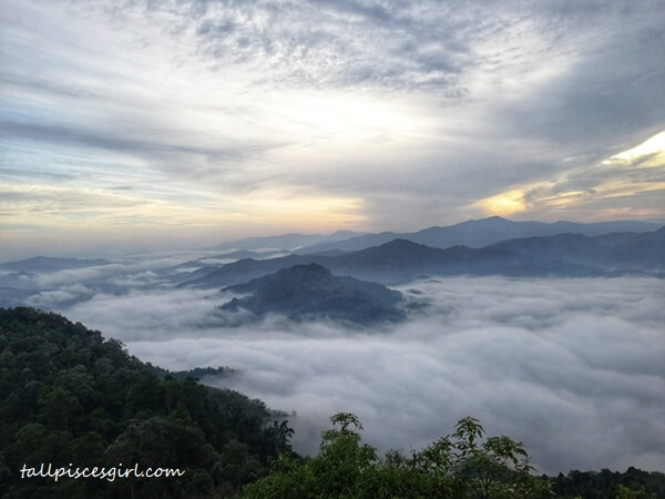 6:40am - Sea of Clouds at I-yerweng