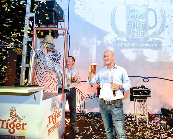 Roland Bala Managing Director and Andrew Woon Sales Director of HEINEKEN Malaysia Berhad toast to the launch of The Great Brew Fest 2018 and festival beer the Tiger Amber Lager
