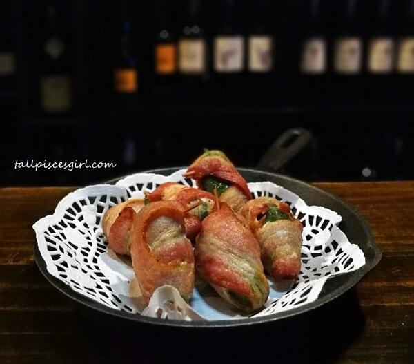 Frito De Jalapenos Envuelto Con Bacon (Price: RM 18)