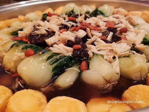 Braised Beancurd and Vegetables with Dried Scallop Sauce