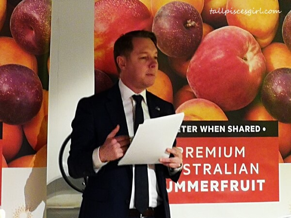 Daniel Havas (Austrade Senior Trade Commissioner) sharing some tasty insights into Australian produce, specifically Summer Fruits