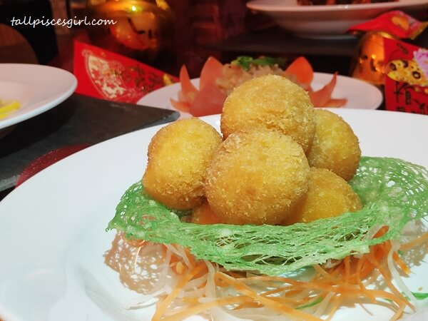 Fried golden lingko ball
