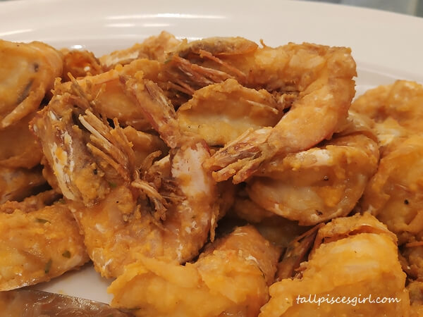 Wok Fried White Sea Prawn with Salted Egg Yolk