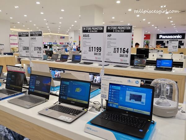 Laptops @ Electronics section, LuLu Hypermarket KL