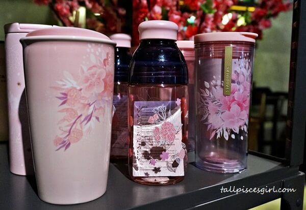 Starbucks Malaysia Sakura Collection and Beverages 1