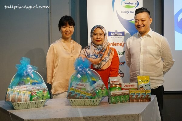 Group photo of panellists for Food Trends 2019 organized by Fonterra Brands Malaysia