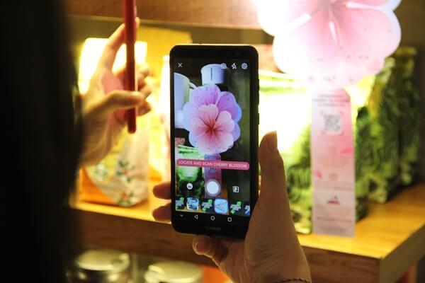 Sakura in Malaysia is possible! Starbucks Malaysia introduced AR Sakura Tree in all Starbucks outlets