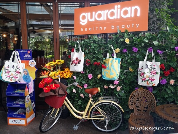 Naelofar X Guardian Exclusive Summer Collection Tote Bags