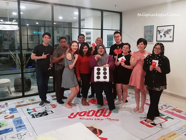 The bunch of bloggers who travelled around the world in a day thanks to Yoodo