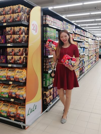 tallpiscesgirl Shopping for Chocolates at LuLu Hypermarket 1 Shamelin Mall, Cheras