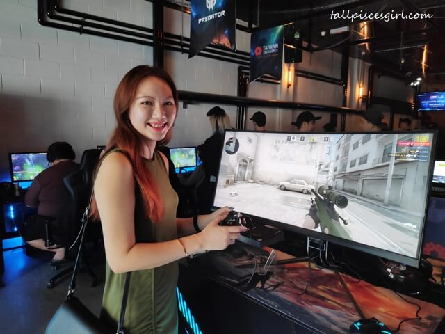 tallpiscesgirl Trying the Latest Predator X35 Monitor