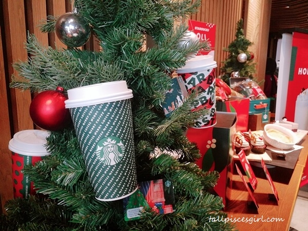 Have a Merry Coffee at Starbucks!