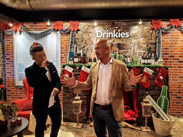 L-R: Emcee Bernard Hiew and Roland Bala, Managing Director of HEINEKEN Malaysia