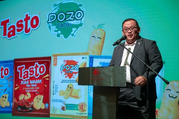 Managing Director of BJC Foods (Malaysia) Sdn Bhd Mr Phillip Leong gave the opening speech during the launch