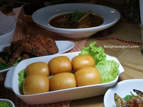 Crispy Mantao (Price: RM 8)