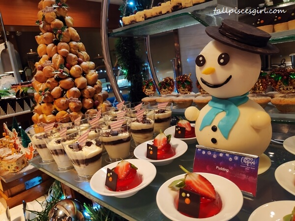 Delectable desserts awaiting at the Christmas Buffet at Cinnamon Coffee House, One World Hotel PJ