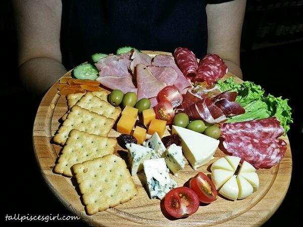 Ham & Cheese Platter (Price: RM 68)