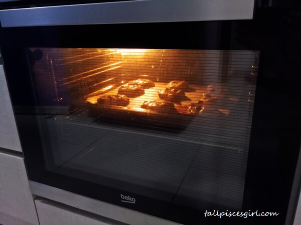 Beko Built In Oven looks sleek and saves space