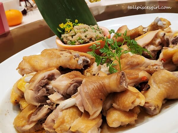 Eight Treasure Salt Baked Chicken in Hilton Kuala Lumpur Chinese New Year Menu