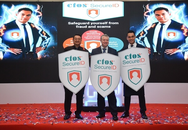 Y.Bhg. Dato Dr. Haji Amirudin Bin Abdul Wahab, CEO of Cybersecurity Malaysia, Dennis Martin, Group CEO of CTOS and Hisyam Hamid launches CTOS SecureID